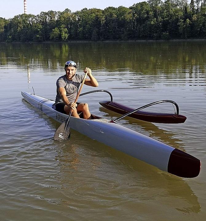 Die Hochrheinpaddler – wie Robin...in Einer- oder Zweierbooten unterwegs.    Foto:  Matthias Eschbach
