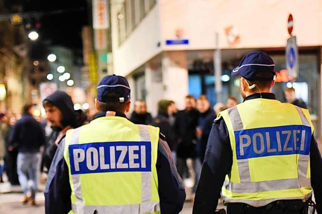 Basler Polizisten in der Innenstadt: D...entstand beim abgesagten Morgestraich.  | Foto: Jonas Hirt
