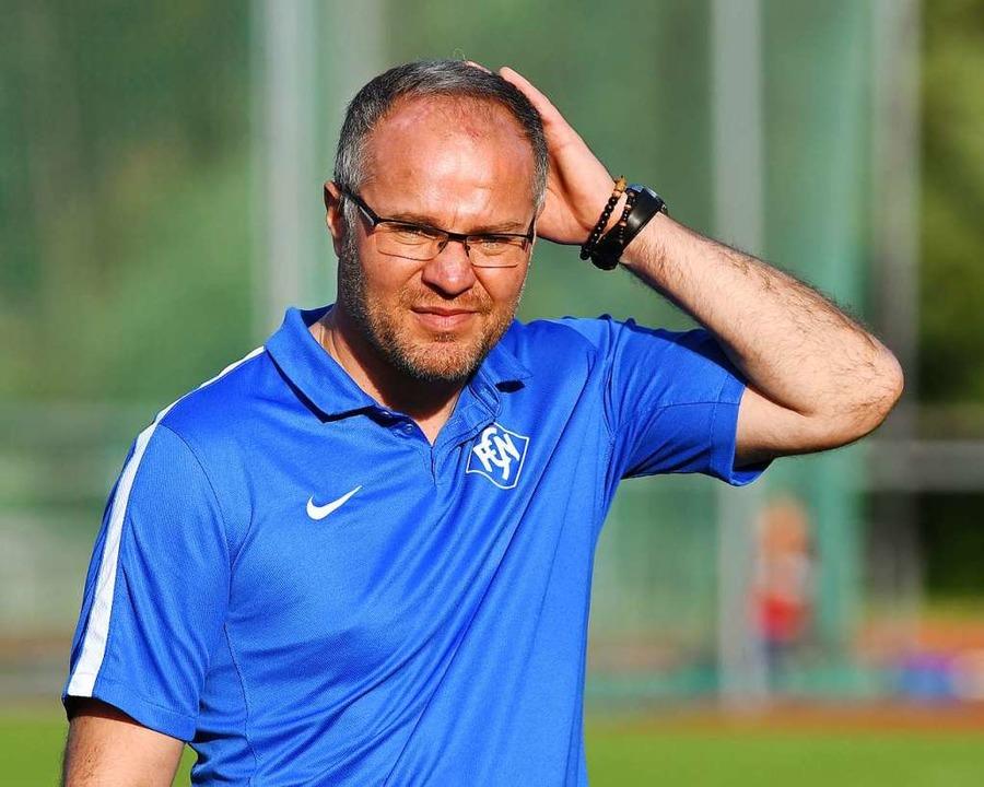 Neustadts Trainer Zeljko Cosic glaubt ...n den  Saisonstart am 5./6. September.  | Foto: Wolfgang Scheu