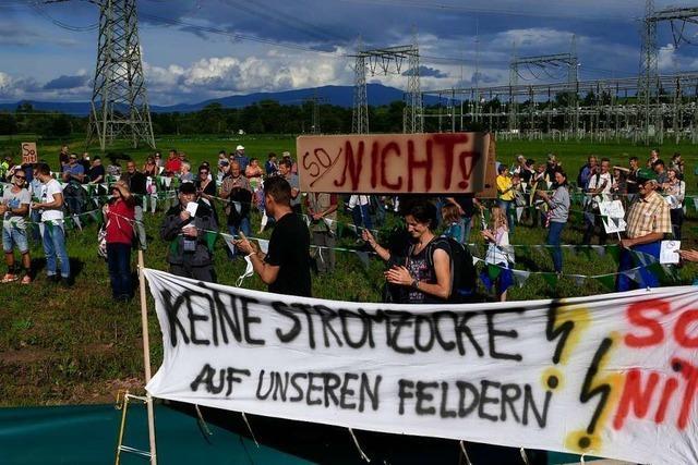 Fast 500 Eichstetter protestieren gegen Umbau von Umspannwerk