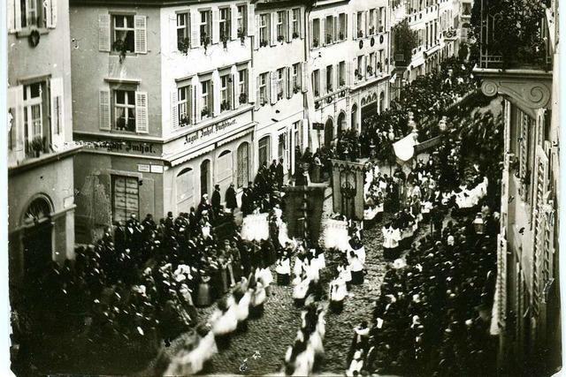 Wie die Fronleichnam-Prozession vor gut 150 Jahren durch Freiburg zog