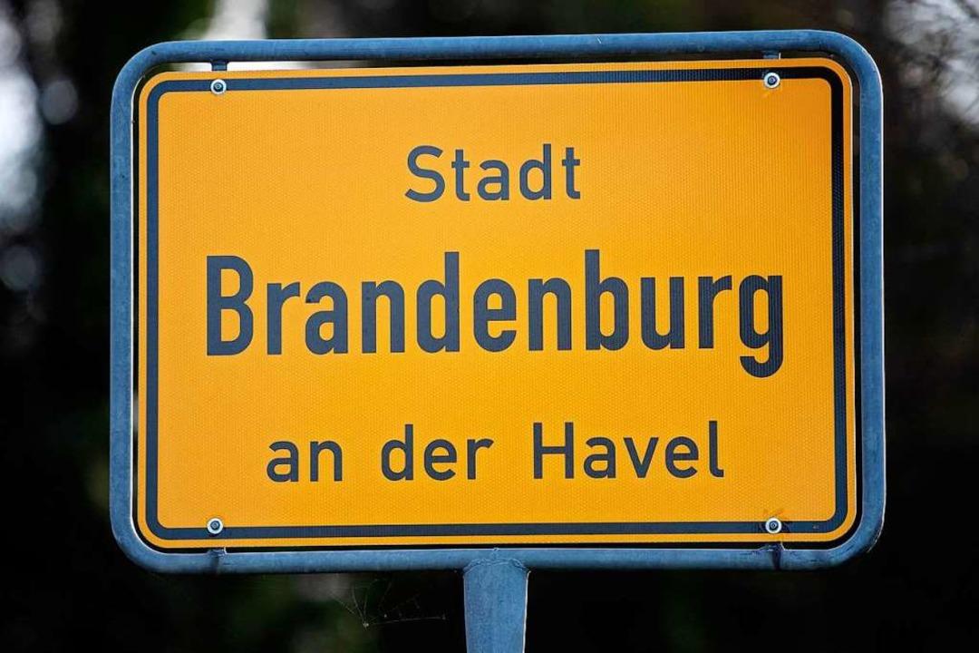 Unter anderem in der Stadt Brandenburg...m Dienstagmorgen Durchsuchungen geben.    Foto: Monika Skolimowska (dpa)