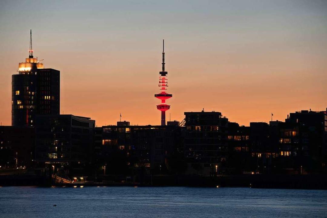 Der Heinrich-Hertz-Turm in Hamburg    Foto: Daniel Reinhardt (dpa)