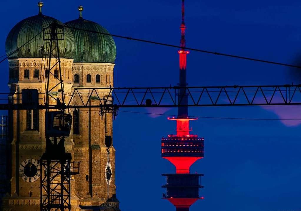 Der Fernsehturm auf dem Olympiagelände in München    Foto: Peter Kneffel (dpa)