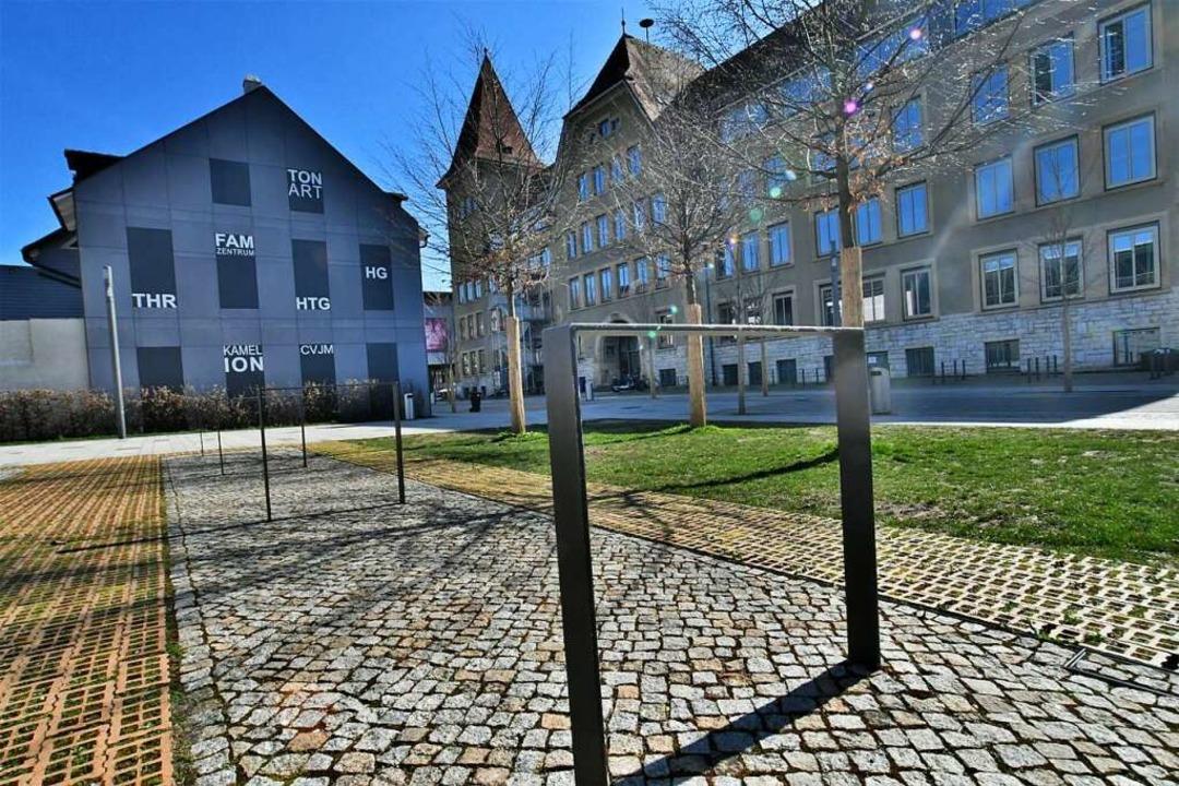 Der leere Lörracher Campus nach den la...t verfügten Schulschließungen im März.  | Foto: Barbara Ruda