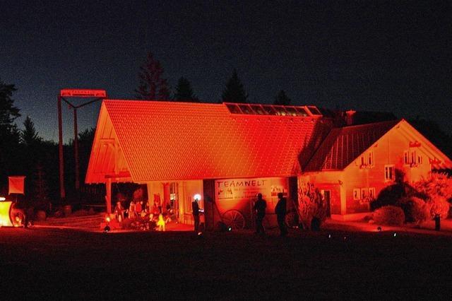 Rotes Licht als Notsignal der Veranstalter