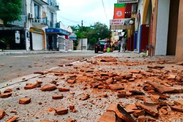 Mindestens sechs Tote durch schweres Erdbeben im Süden Mexikos