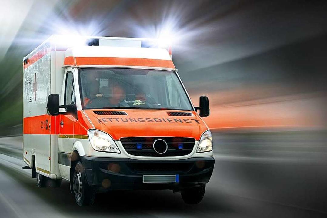 Rettungsdienst, Notarzt, Bergwacht und...Verunglückten im Einsatz (Symbolbild).  | Foto: ©Thaut Images - stock.adobe.com