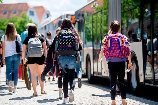 Eltern zahlen auch im Juli nichts für das Schüler-Abo des RVF
