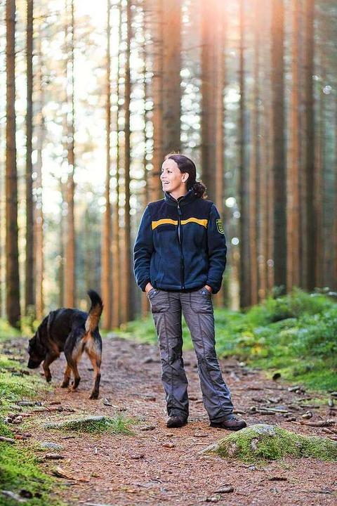 Gundelfingens Revierförsterin Kathrin ...h-Tour, die sie zum Wandern empfiehlt.  | Foto: Dominik Sackmann