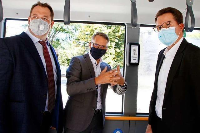 Die SWEG installiert in 25 Bussen Desinfektionsmittelspender