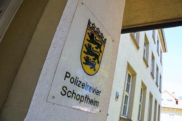 38-Jähriger spuckt auf die Eingangstür des Polizeireviers Schopfheim