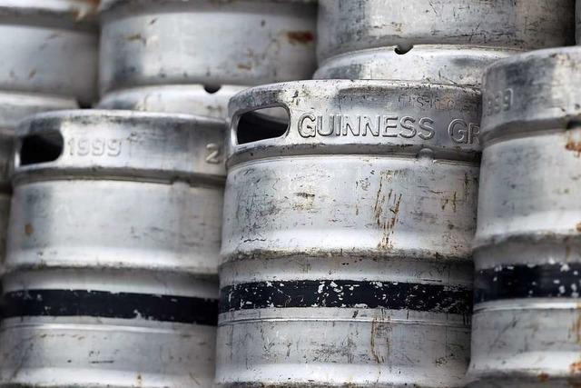 Weihnachtsbäume bekamen Guinness serviert