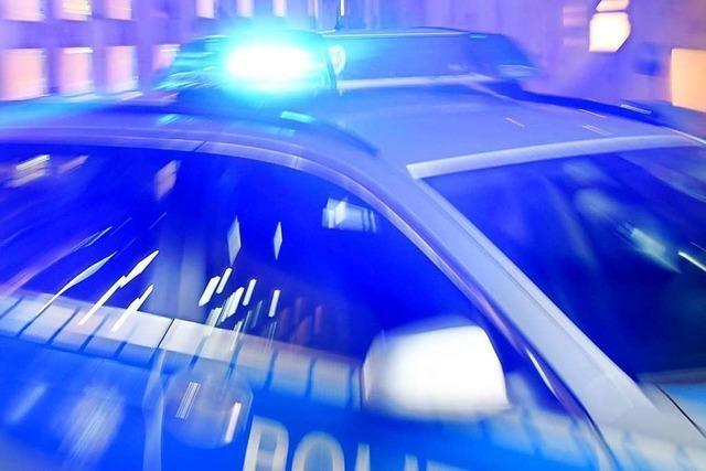 Feuchte Angelegenheit: Polizisten verfolgen Metalldiebe durch die Rench