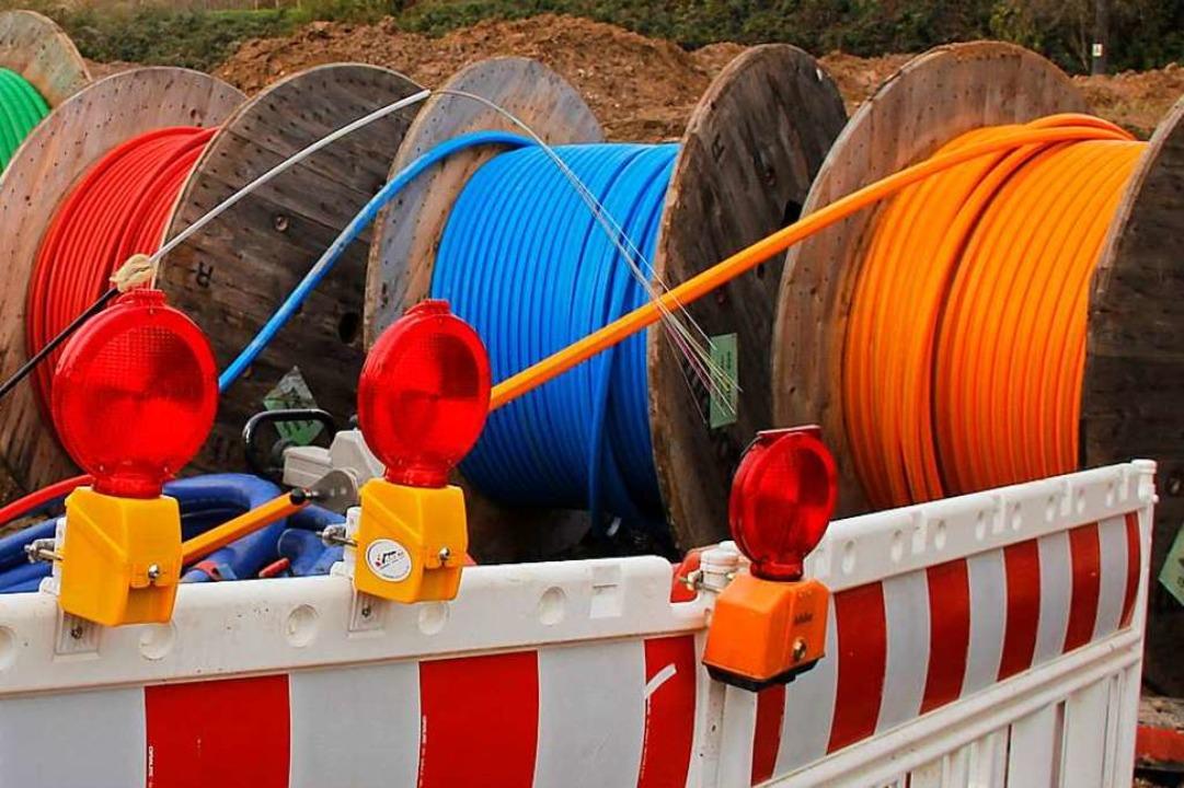 Die Zuführung von Glasfaser nach Mauch...der Ausbau im Ortsteil laufen bereits.  | Foto: Alexander Huber