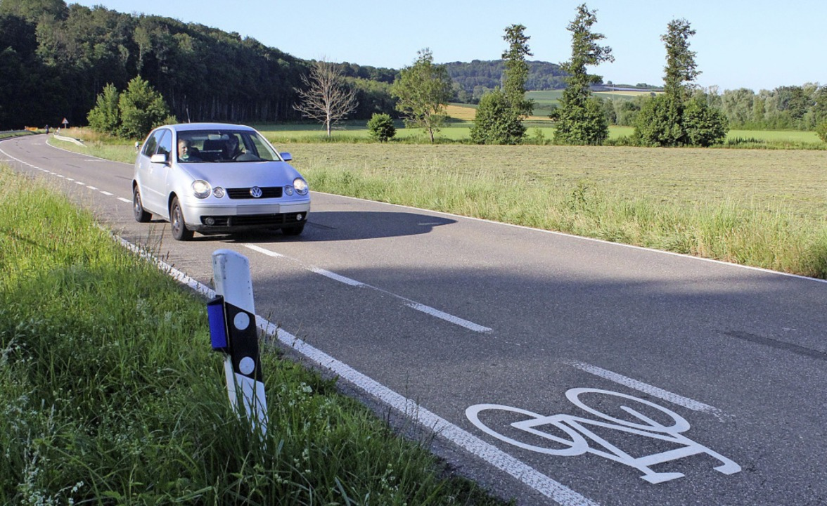 Nicht ganz korrekt: Ohne Gegenverkehr ...t ein Radler unterwegs ist oder nicht.  | Foto: Victoria Langelott