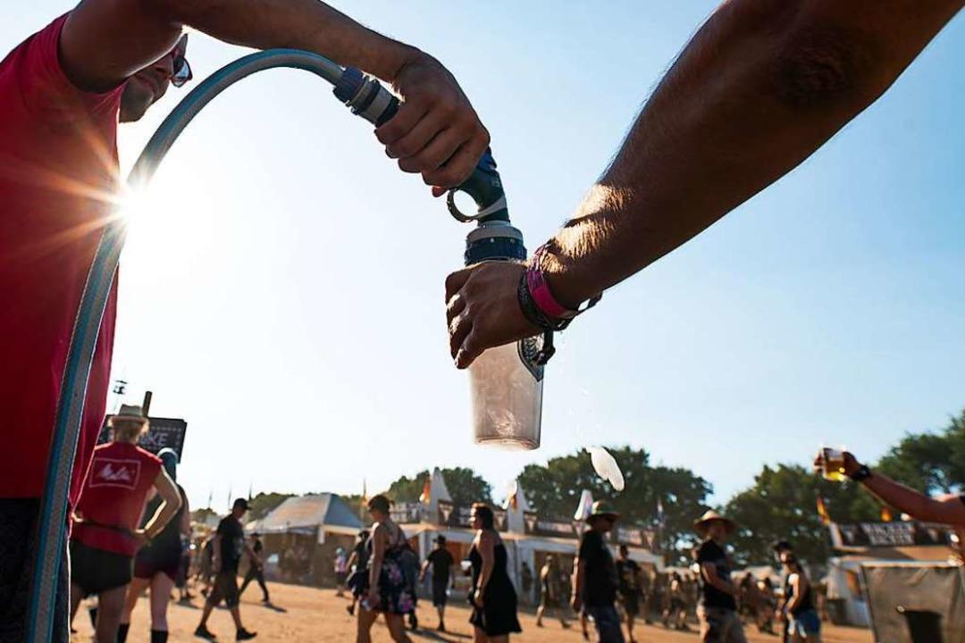 Beliebtester Gegenstand auf Festivals:... Open Air braucht es auch kaum Becher.  | Foto: Daniel Reinhardt