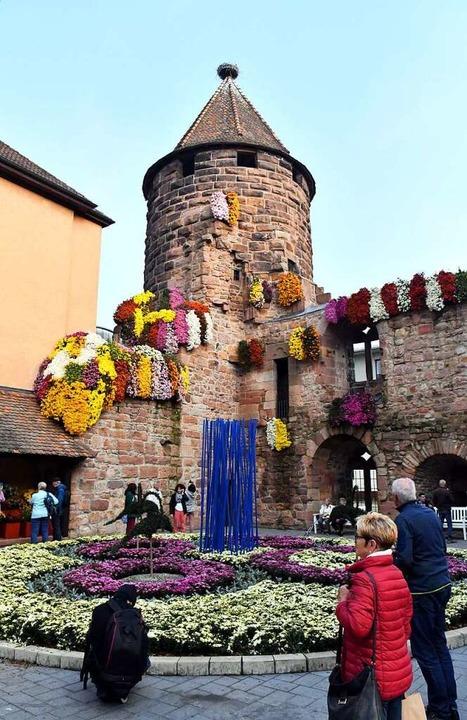 Der geschmückte Storchenturm  | Foto: Wolfgang Künstle