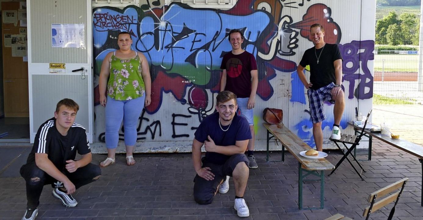 Regelmäßige Gäste im JuZ im elf Jahre ...ern Sergei Rogalski und Jens Künster.   | Foto: Victoria Langelott
