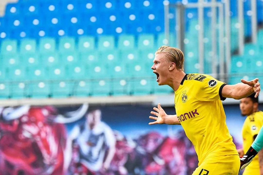 Passt zur Statistik: BVB-Stürmer Erlin...ngenen Wochenende zum Sieg in Leipzig.  | Foto: Jens Meyer (dpa)