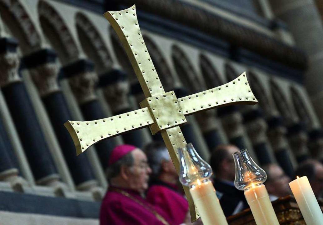 Die beiden großen christlichen Kirchen...itglieder verloren als ein Jahr zuvor.  | Foto: Harald Tittel (dpa)