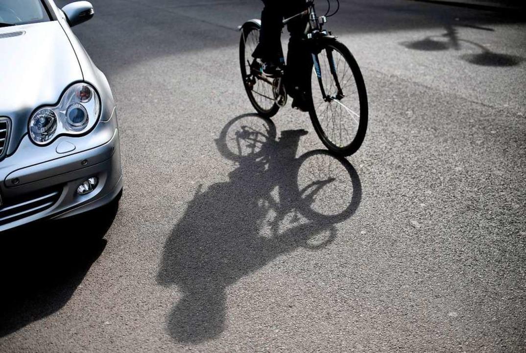 Ein Radfahrer soll in Freiburg-Betzenh...allflucht begangen haben (Symbolbild).  | Foto: Britta Pedersen
