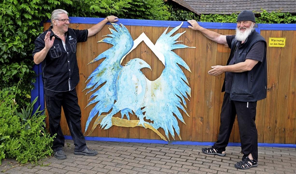 John Amann (l.) und Peter Grüninger (r.) mit dem blauen Adler     Foto: Roland Vitt