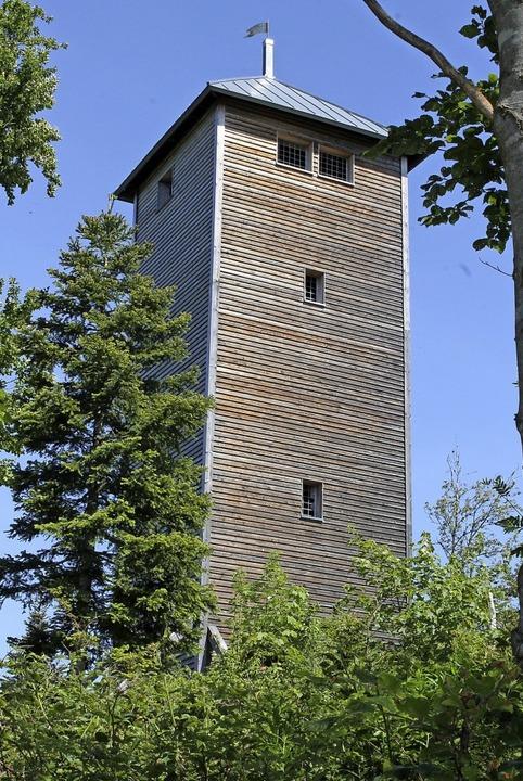 Vom Lehenkopfturm, direkt am Fernwande... dem Wanderer ein grandioser Rundblick    Foto: Cornelia Liebwein