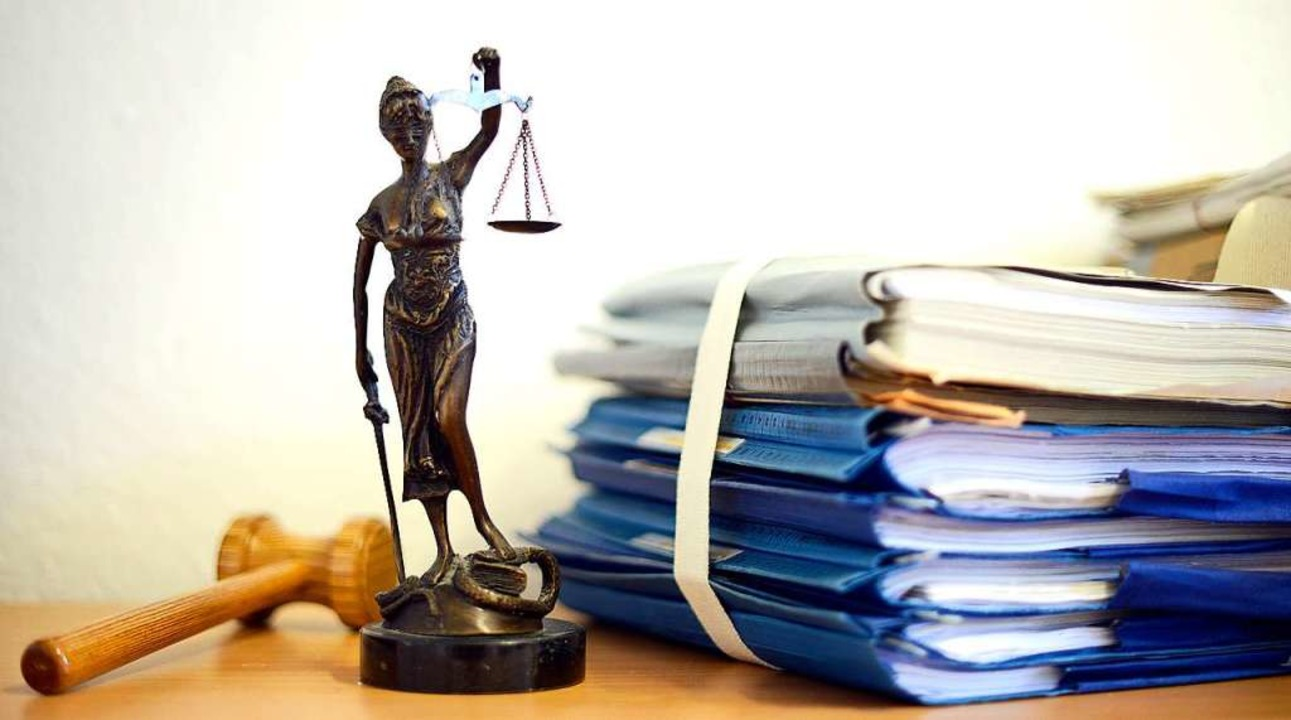 Klageschriften zu mehreren Delikten wurden verhandelt.    Foto: Volker Hartmann