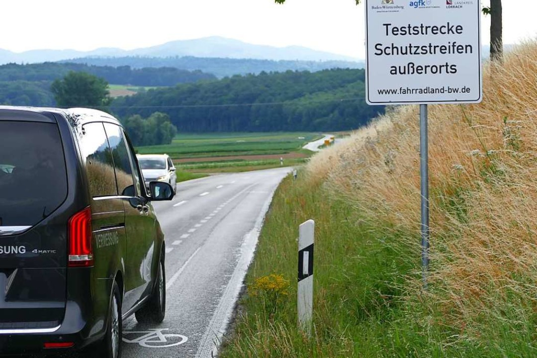 Kein Regelverstoß: Fahren auf dem Schutzstreifen  | Foto: Victoria Langelott