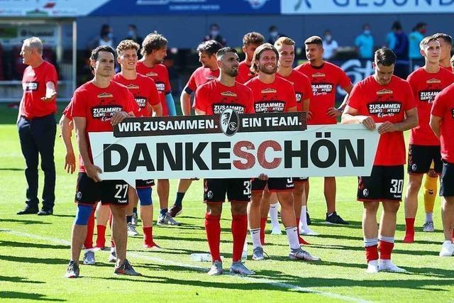 Fotos: So ausgelassen bejubeln die Freiburger ihre Tore gegen Schalke