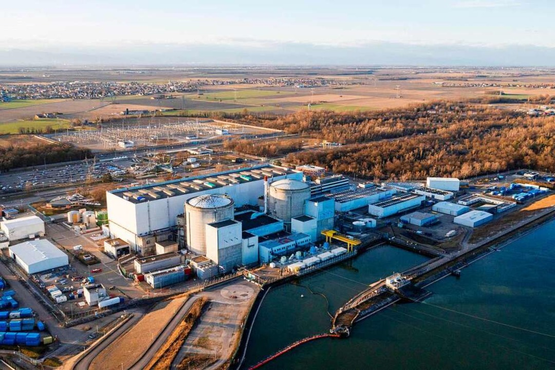 Atomgegner sehnen den Tag herbei: Komm...senheim ab. Der Rückbau kann beginnen.  | Foto: SEBASTIEN BOZON (AFP)