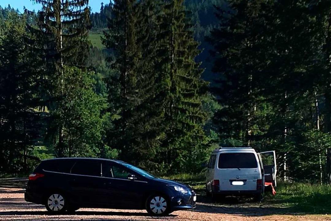 Irgendwo im Schwarzwald auf einer Wald... die Nacht in seinem VW-Bus verbracht.  | Foto: Bernhard Amelung