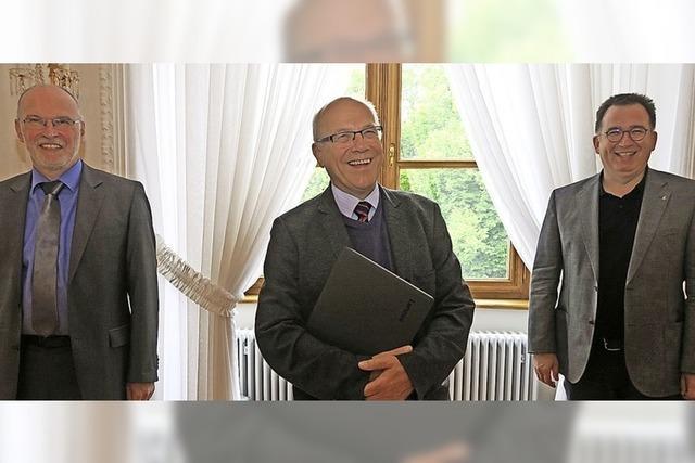 Trägerverein des Kollegs verabschiedet Pater Mertes