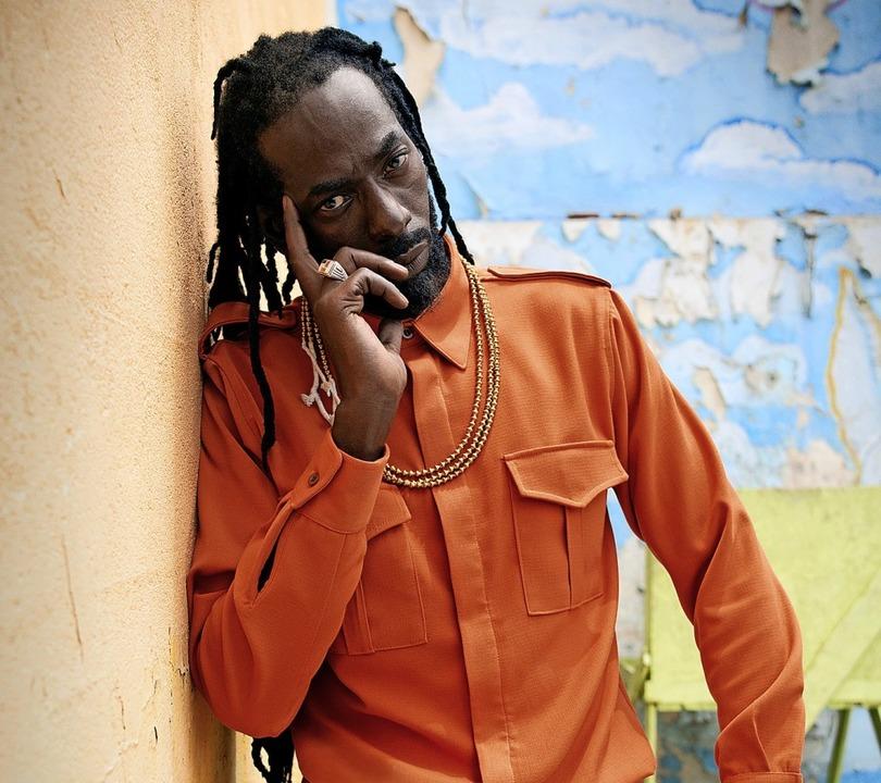 Biedert sich musikalisch der ganzen Welt an: Buju Banton  | Foto: Universal Music