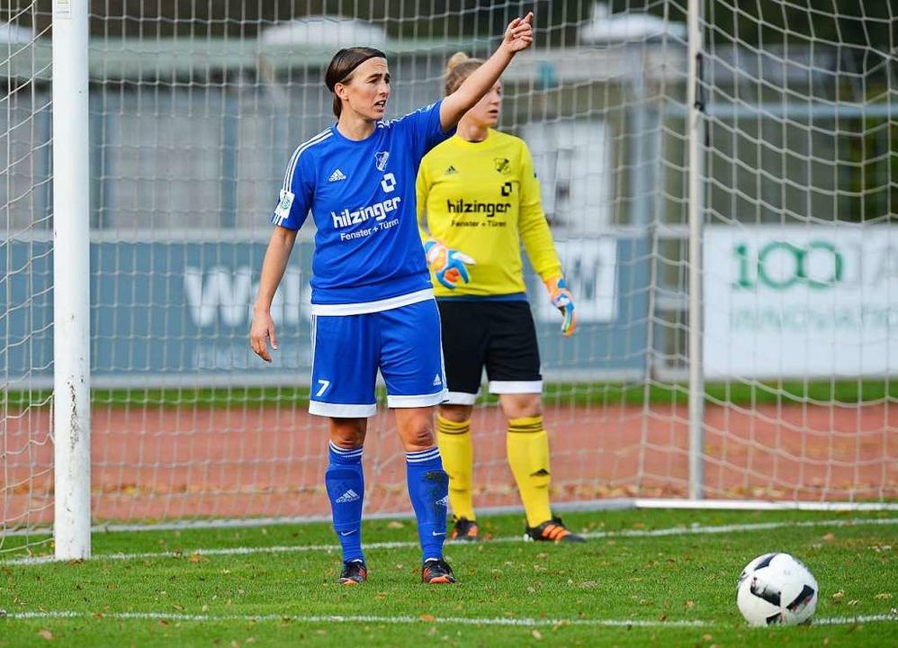 Anne van Bonn hat zum letzten Mal ein Spiel des SC Sand dirigiert.  | Foto: Patrick Seeger
