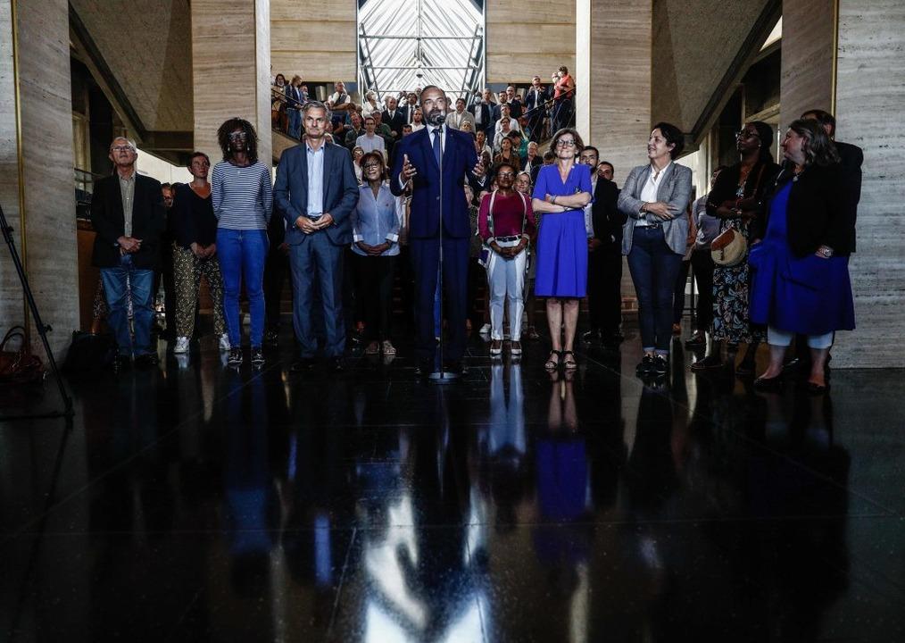 Der französische Premierminister und K...reise seiner Unterstützer in Le Havre.    Foto: Sameer Al-Doumy (dpa)