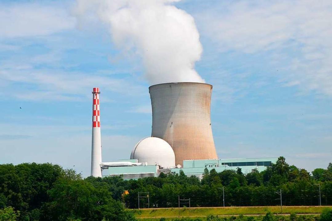 Das Atomkraftwerk Leibstadt ist knapp ...tlinie von Waldshut-Tiengen  entfernt.  | Foto: Sarah Trinler