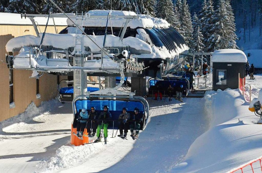 Laut Feldbergs Kämmerer Martin Hirt schreiben die Lifte im Skigebiet Verluste.  | Foto: Sebastian Barthmes
