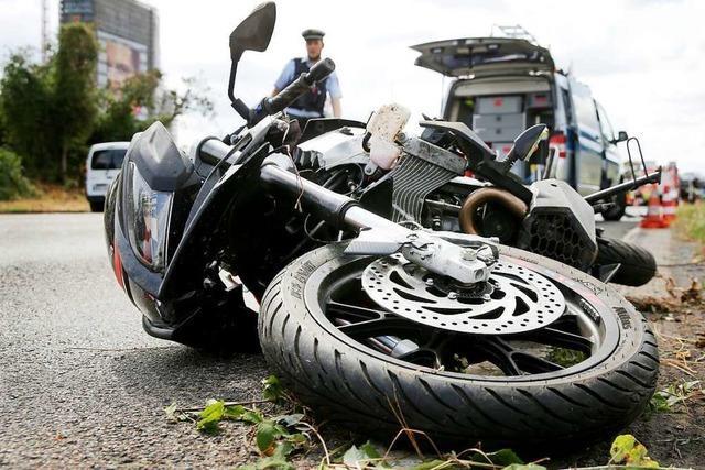 Autofahrer übersieht Motorradfahrer bei Sallneck