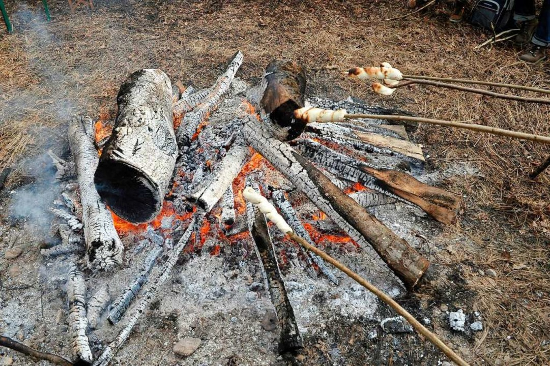 Am Lagerfeuer sitzen und quatschen. Manchmal braucht es nicht mehr.   | Foto: Thomas Kunz