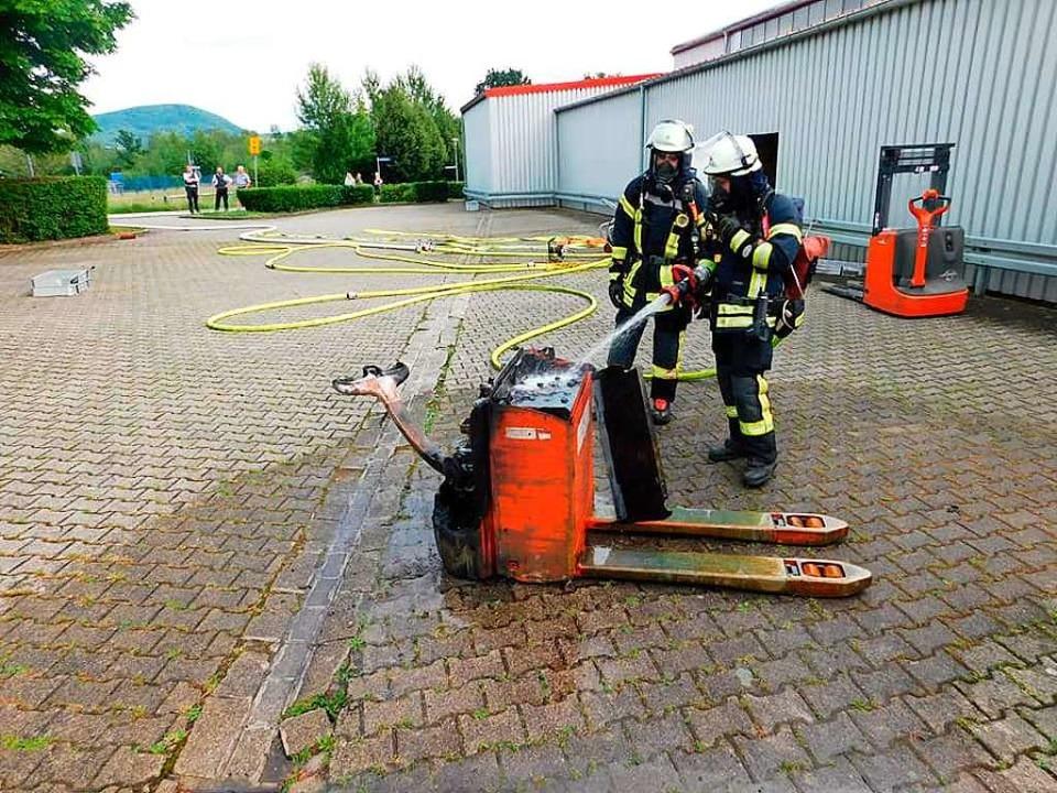 Die Feuerwehr Murg löschte den brennen...er der Auslöser der Rauchschwaden war.  | Foto: Feuerwehr Murg