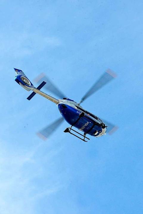 Unterstützt von einem Hubschrauber suc...Vermissten aus St. Peter (Symbolbild).  | Foto: Ingo Schneider
