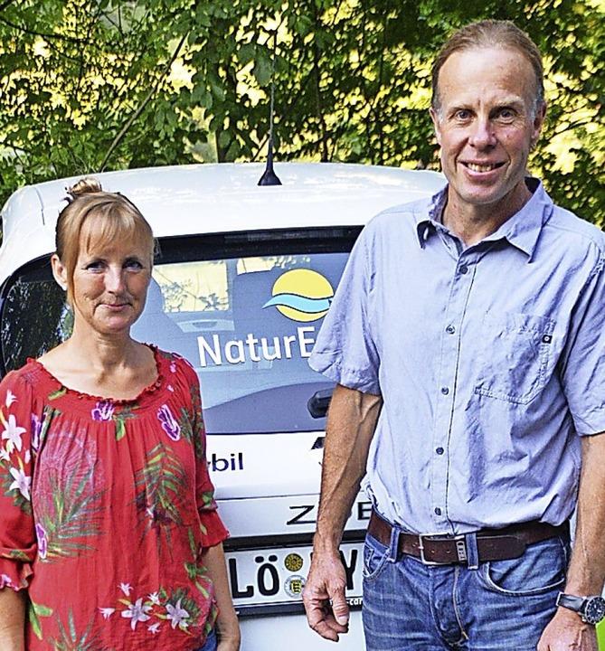 Die Kletterprofis Daniela und Robert J...chen den Ausblick auf die Alpengipfel.  | Foto: Edgar Steinfelder
