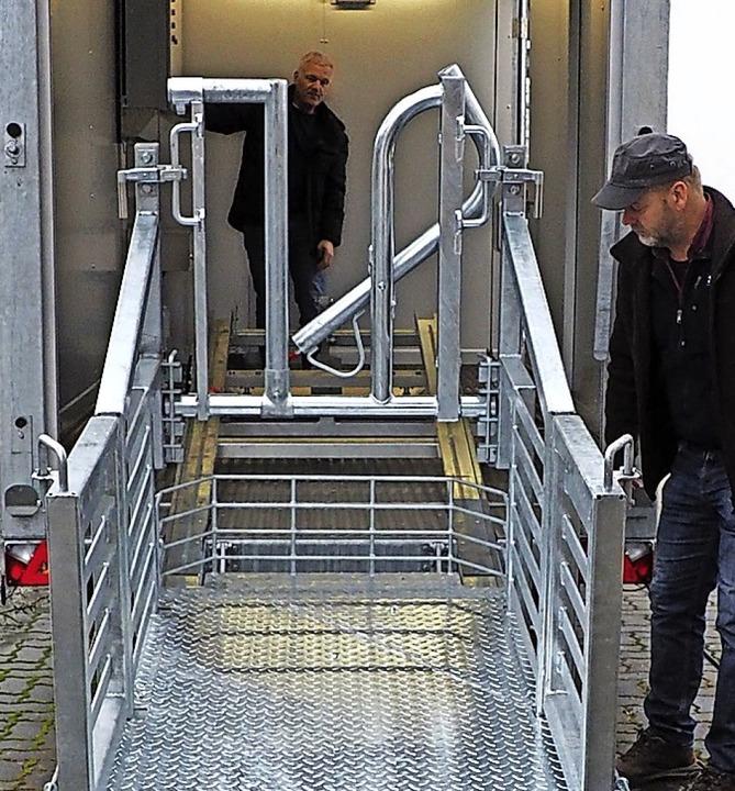 Für Rinder gibt es bereits eine mobile Schlachteinheit.   | Foto: Herbert Frey