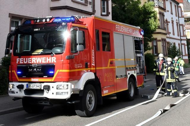 Feuerwehr löscht Wohnungsbrand in der Lotzbeckstraße