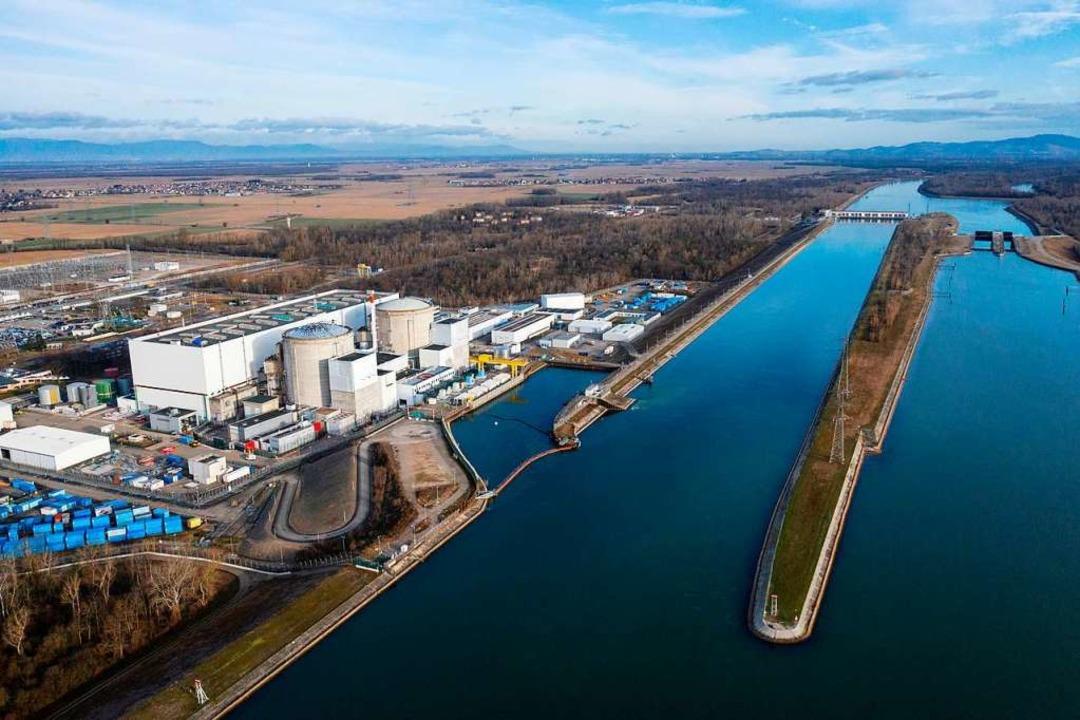 Die beiden Reaktorblöcke von Fessenheim am Rhein-Seiten-Kanal  | Foto: SEBASTIEN BOZON