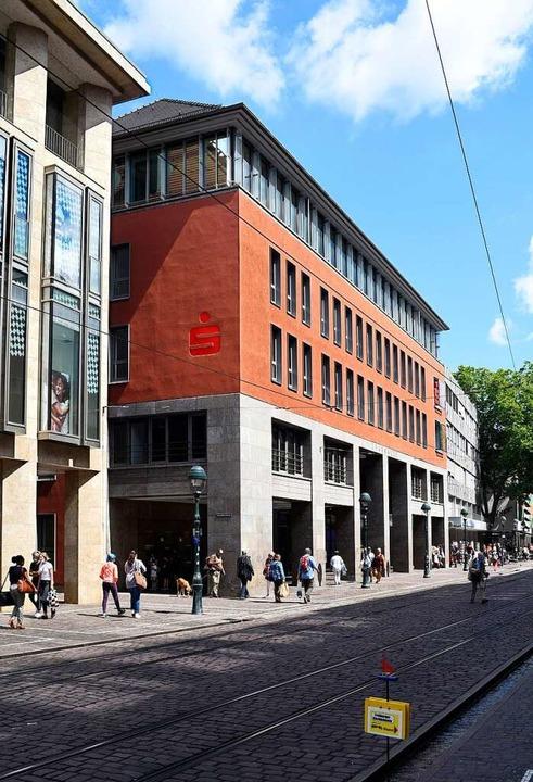 Heute befindet sich im Ex-Wempe-Bau de...arkasse Freiburg-Nördlicher Breisgau.   | Foto: Thomas Kunz