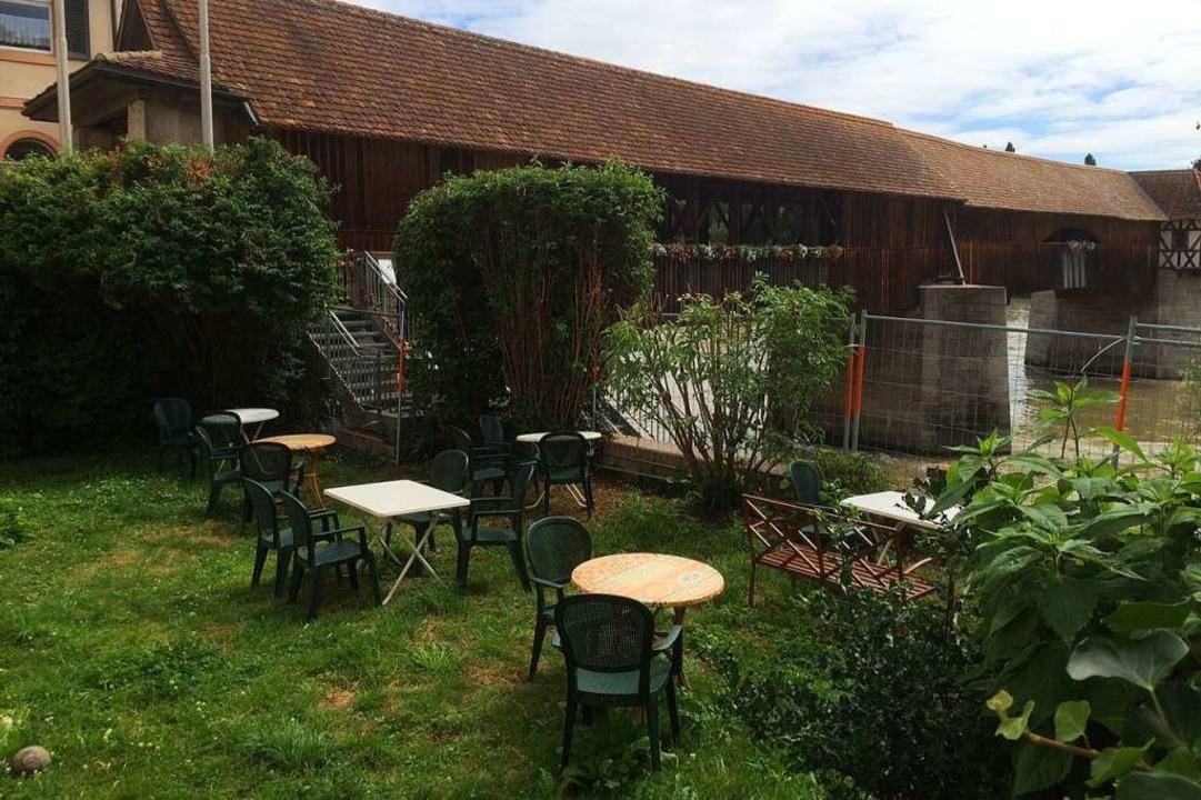Im Garten des Hallwyler Hofs soll es v...h sein, etwas zu essen und zu trinken.  | Foto: Annemarie Rösch