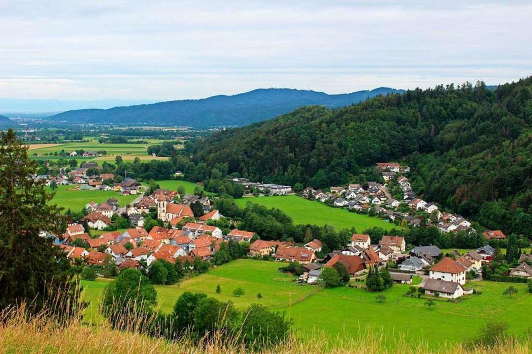 Idyllisch vor den Toren Freiburgs gelegen: Buchenbachs Kernort  | Foto: Erich Krieger